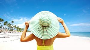 Besonders am Strand ist der Strohhut unverzichtbar