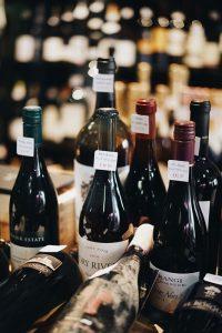 Wein stationär oder online kaufen?